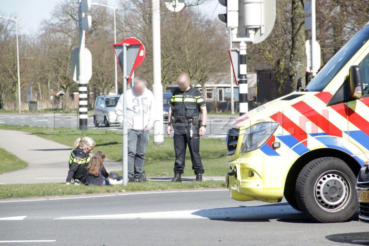 Update: Automobiliste gewond na aanrijding in Oldenzaal, kind komt met schrik vrij