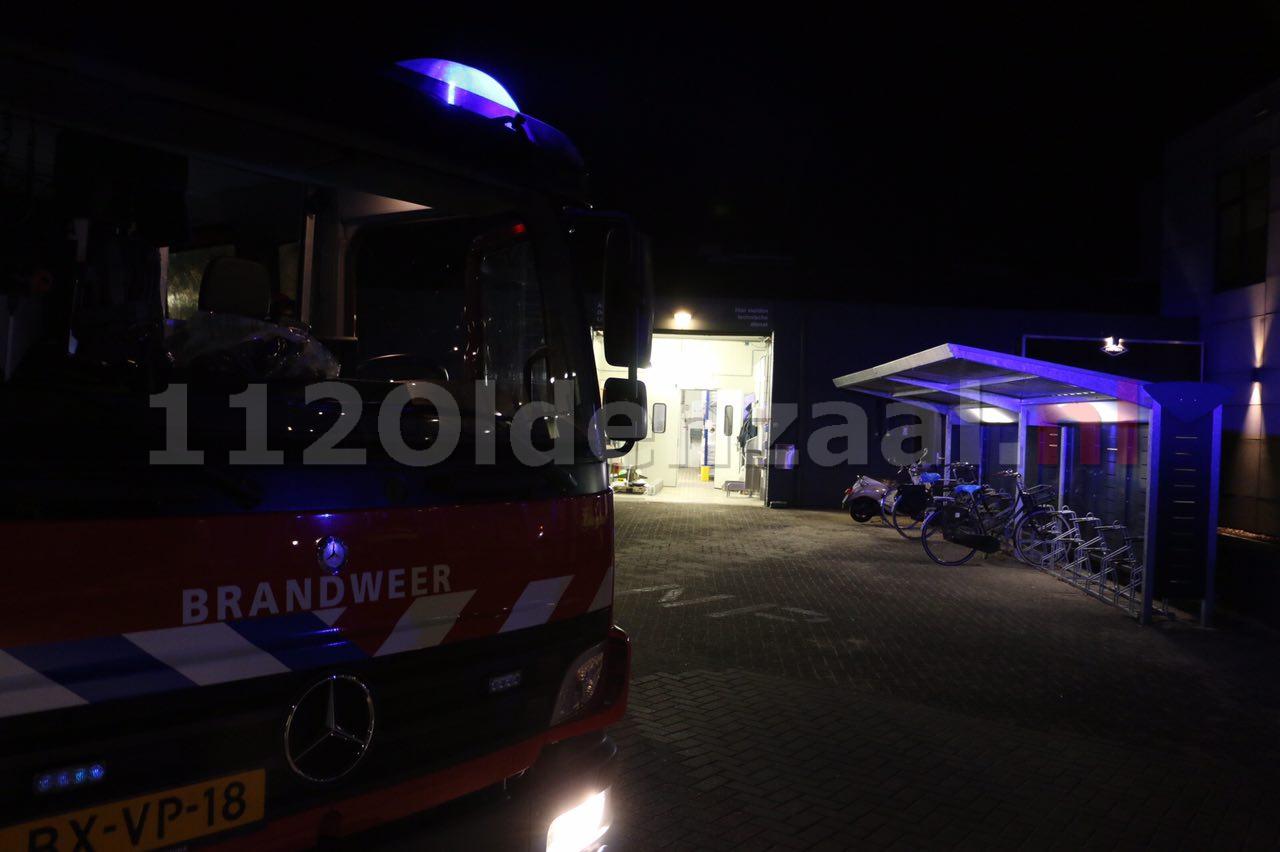 Foto 2: Brand bij Pré Pain in Oldenzaal, pand ontruimd