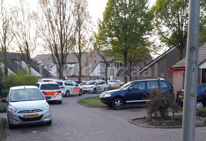 FOTO: Politie pakt man uit Denekamp op na 10 natuurbranden in Noordoost-Twente
