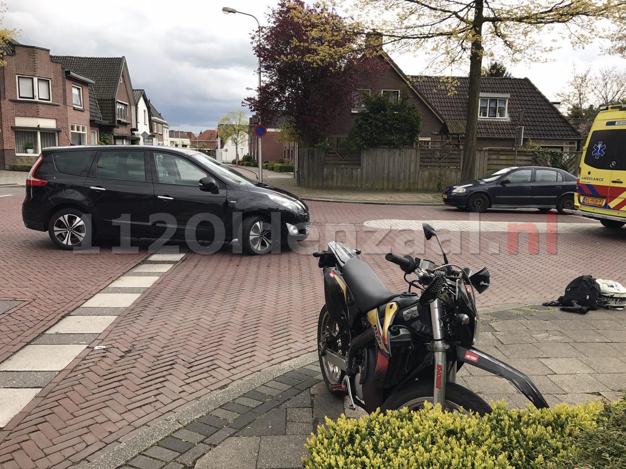 Foto 3: Aanrijding tussen brommer en auto Ootmarsumsestraat Oldenzaal