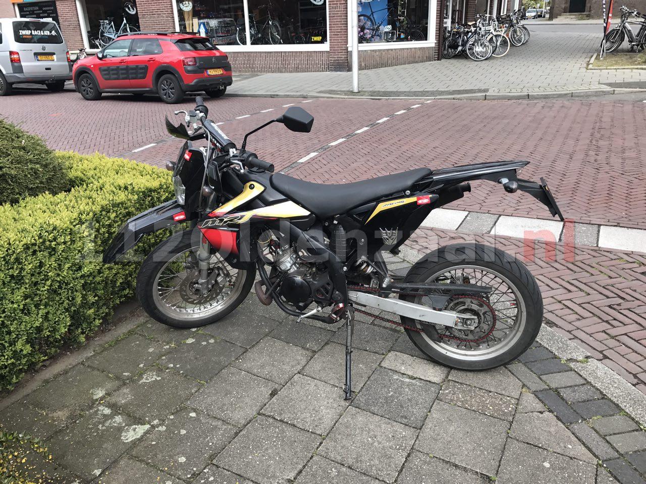 Video: Aanrijding tussen brommer en auto Ootmarsumsestraat Oldenzaal