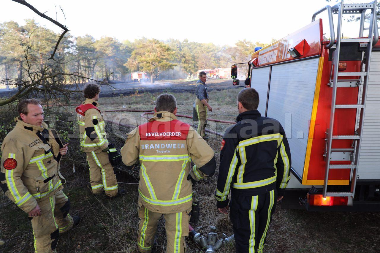 Ook opnieuw raak in Lattrop; Brandweer bestrijdt natuurbrand