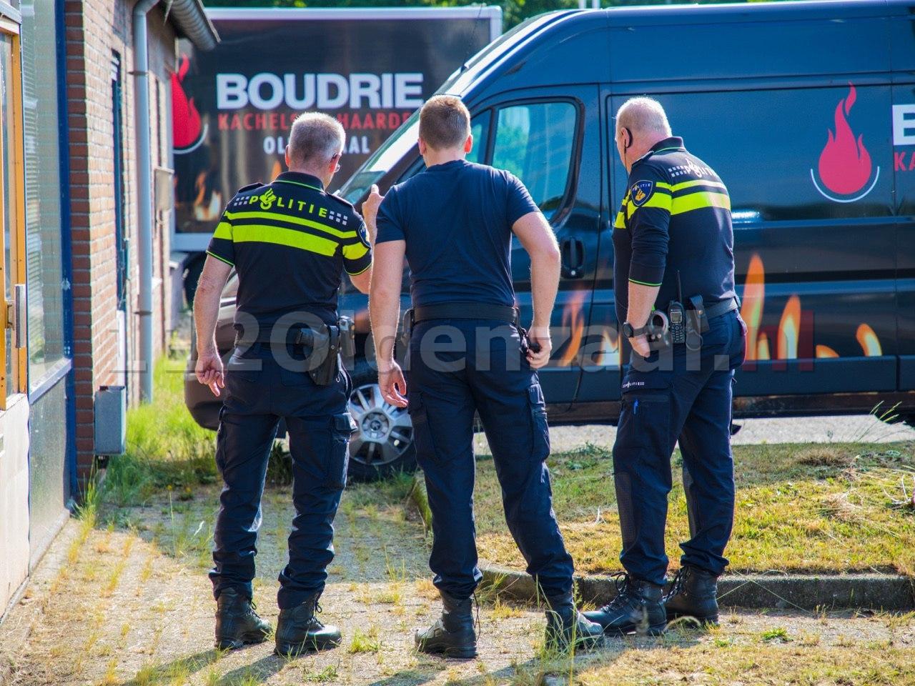UPDATE: Forensische opsporing doet onderzoek na autobrand in Oldenzaal