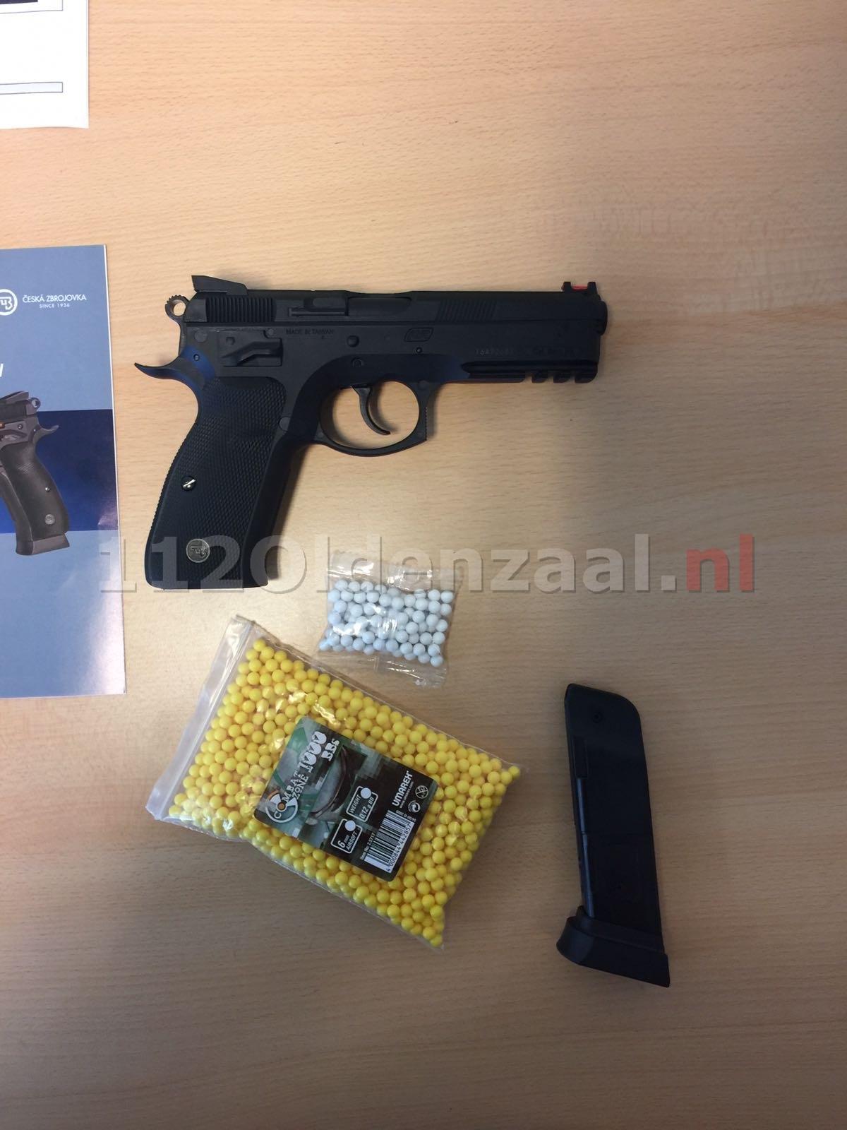 45-jarige man met ploertendoder en balletjespistool gepakt A1 Oldenzaal