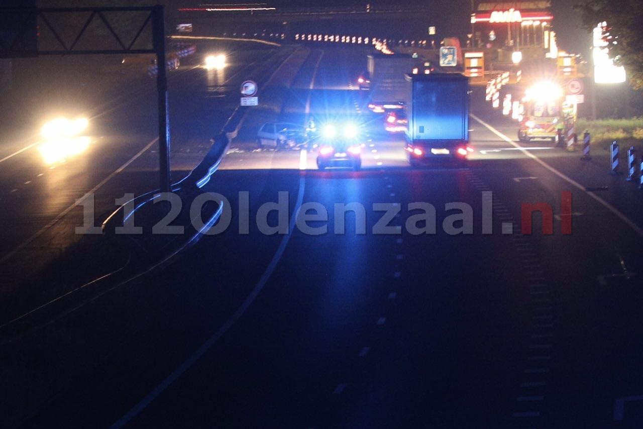 Auto ramt vangrail op A1 tussen Hengelo en Oldenzaal