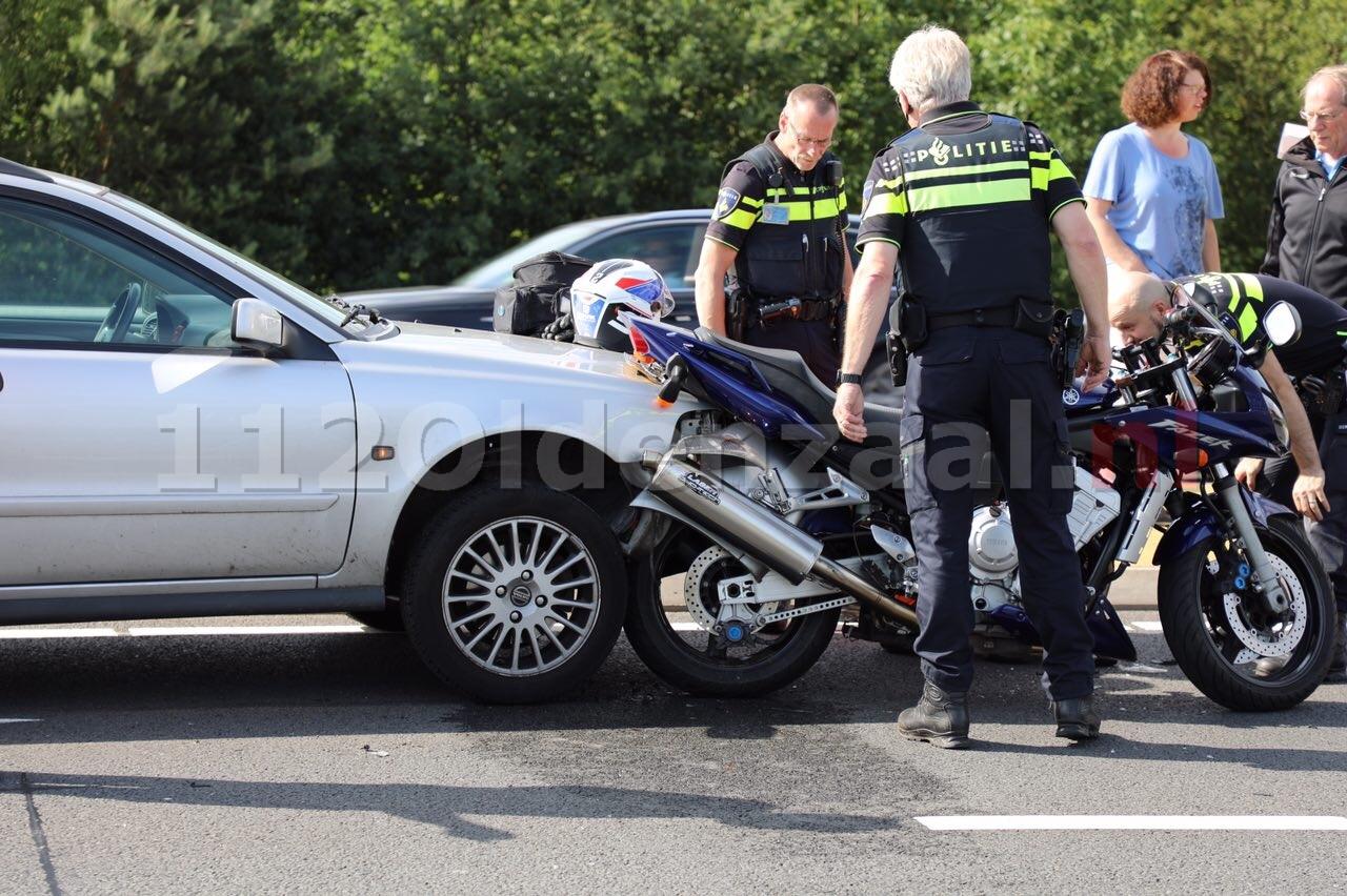 Video: Schade en verkeershinder door aanrijding Rondweg Oldenzaal