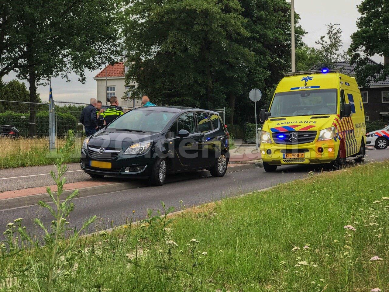 Fietsster met spoed naar het ziekenhuis; politie doet onderzoek