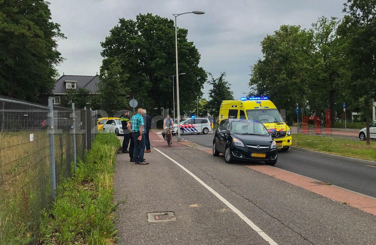 UPDATE: Fietsster met spoed naar het ziekenhuis; politie doet onderzoek naar oorzaak ongeval In Oldenzaal