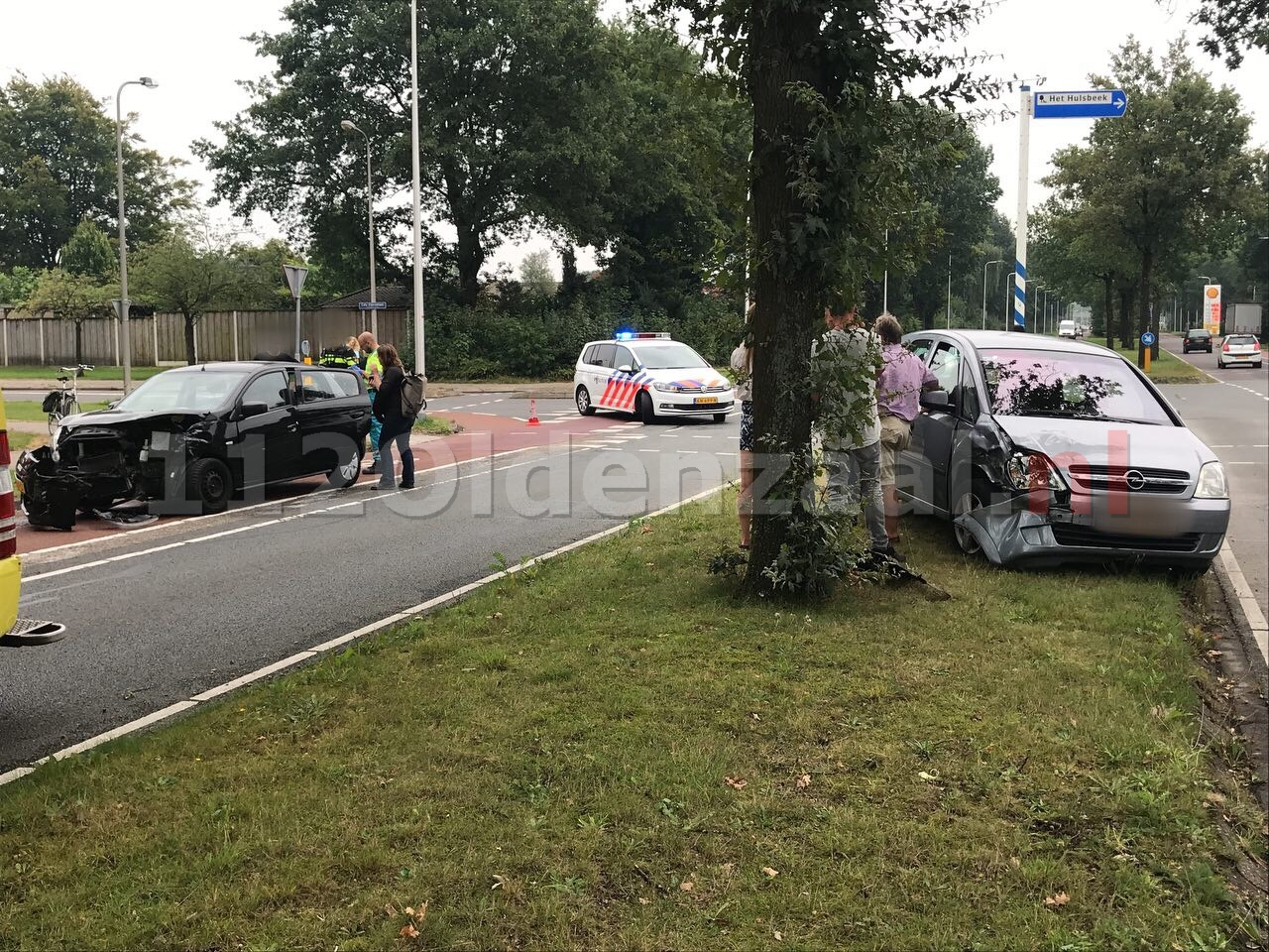 Gewonde bij aanrijding tussen twee auto's in Oldenzaal
