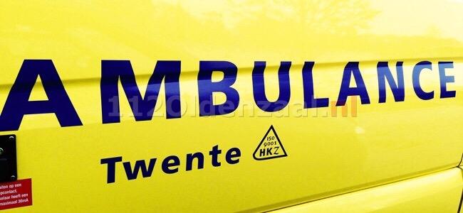 Foto: Paard overleden na aanrijding met auto Deurningerstraat Deurningen