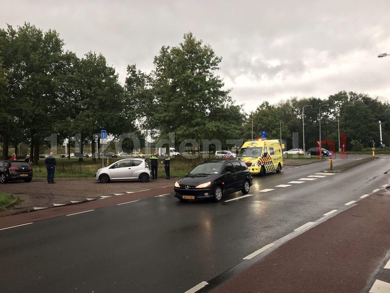 Fietser gewond bij aanrijding met auto op rotonde in Oldenzaal