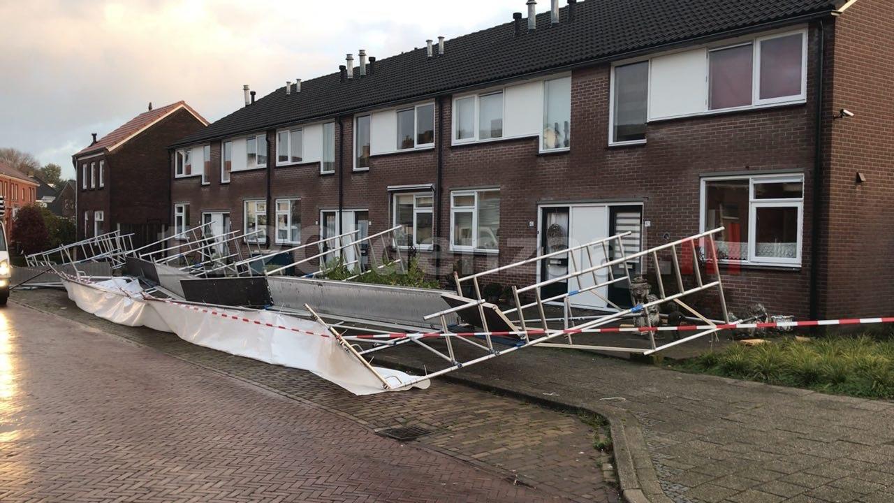 Video: Steiger waait om aan de Bentinckstraat in Oldenzaal