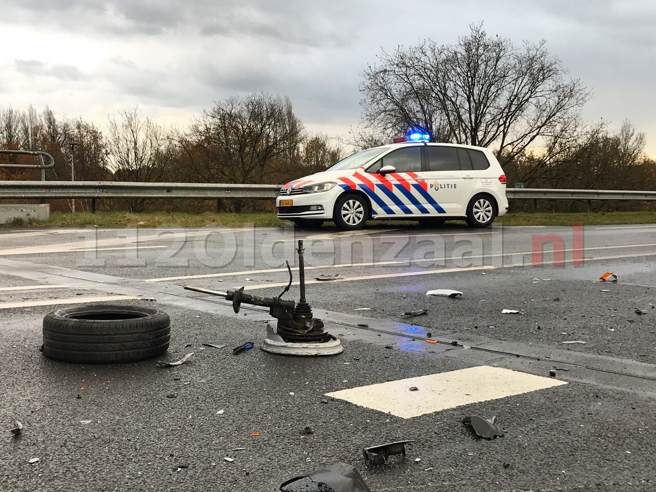 Video: Twee gewonden bij frontale aanrijding op Provinciale Rondweg Oldenzaal