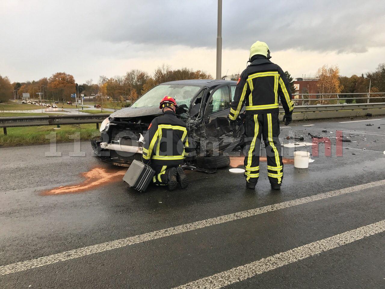 UPDATE: Twee gewonden bij frontale aanrijding op Provinciale Rondweg Oldenzaal