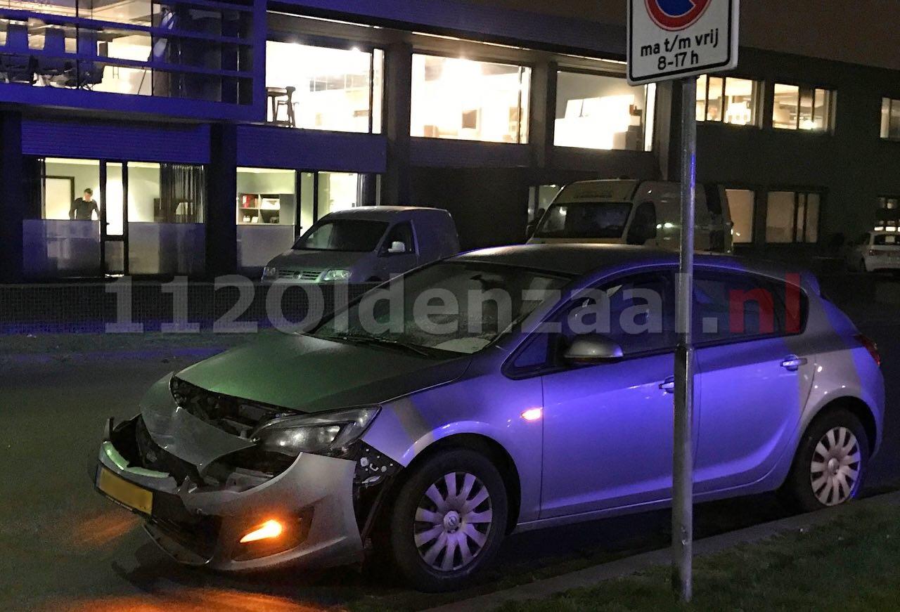 Aanrijding tussen twee auto's Eektestraat Oldenzaal
