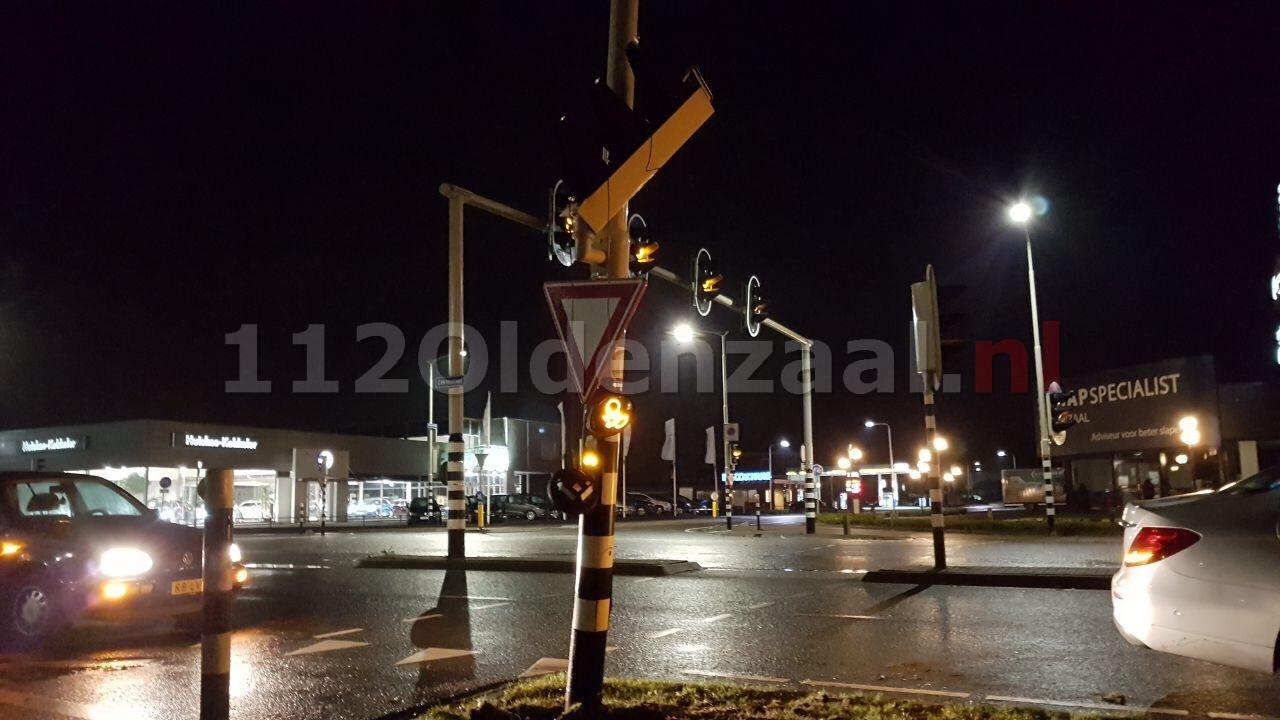 Verkeerslichten kruising Eektestraat buiten werking door aanrijding