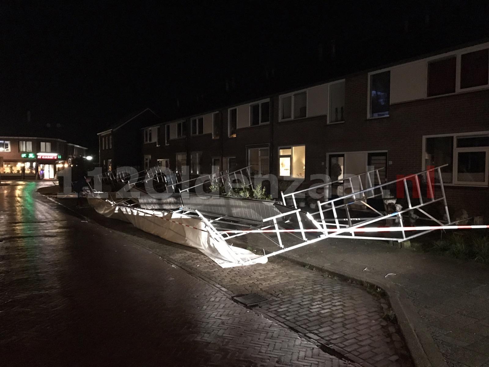 Steiger waait om aan de Bentinckstraat in Oldenzaal