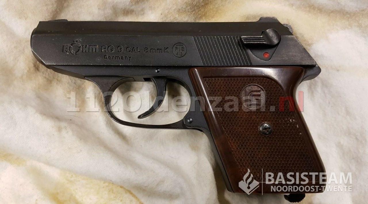 55-jarige man uit Oldenzaal aangehouden voor bezit vuurwapen