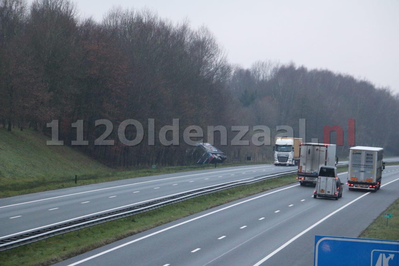 A1 bij Oldenzaal-Zuid mogelijk tot 15:00 uur afgesloten wegens berging vrachtwagen