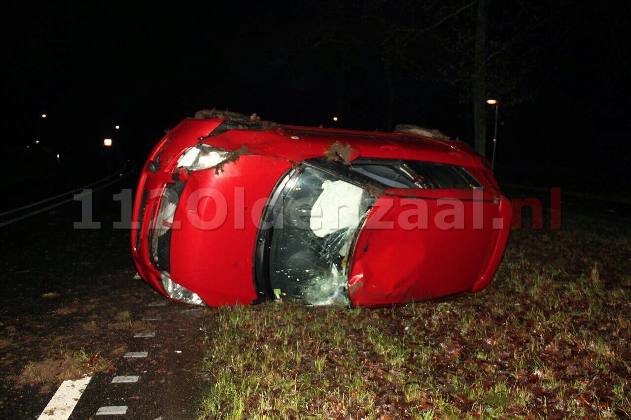 Auto op zijkant aangetroffen op Bentheimerstraat