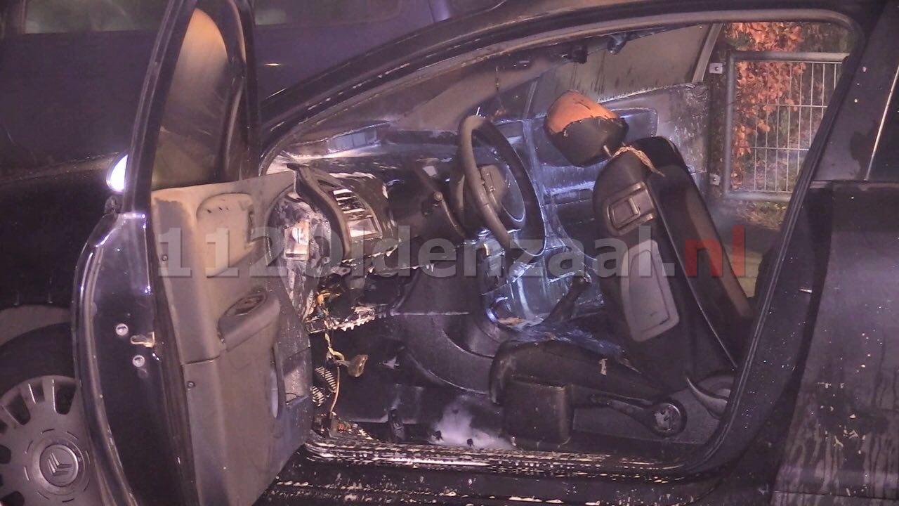 Auto loopt grote schade op bij brand Hunenveldlaan Oldenzaal