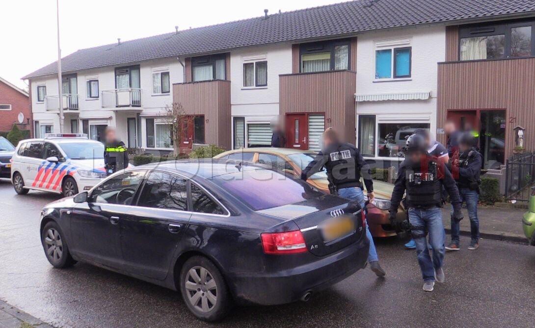 Video: Arrestatie eenheid verricht drie aanhoudingen in drugsonderzoek Oldenzaal