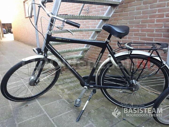 Gestolen fietsen aangetroffen bij fietsendief in Oldenzaal; politie zoekt eigenaren