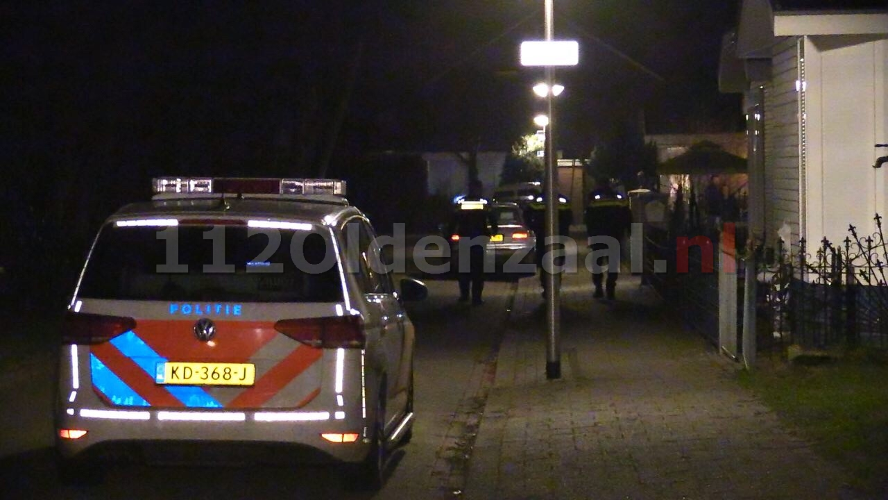 Incident aan Wikke in Oldenzaal; politie rukt met meerdere eenheden uit, technische recherche doet onderzoek