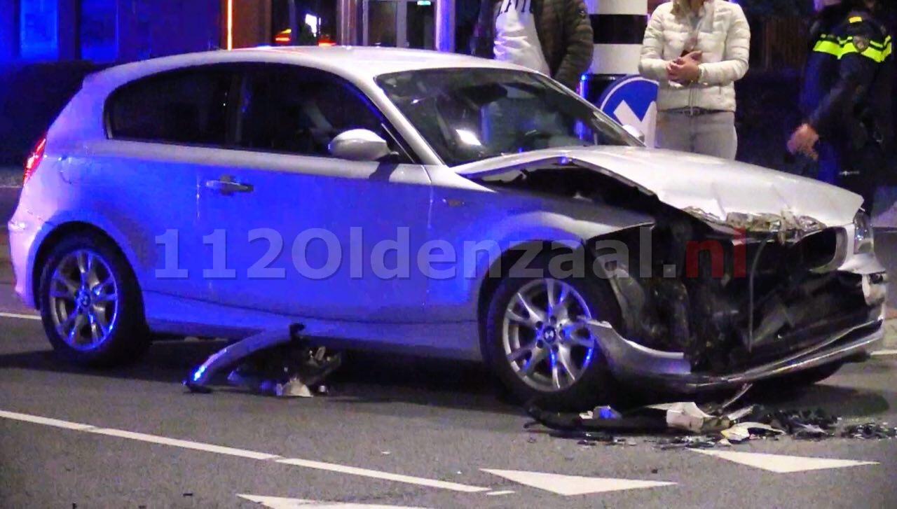 Forse schade na aanrijding tussen auto en vrachtwagen in Oldenzaal