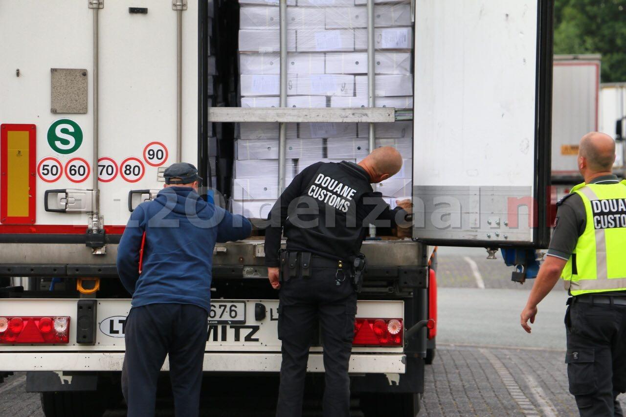 UPDATE: Meerdere personen aangehouden bij grenscontrole A1 De Lutte
