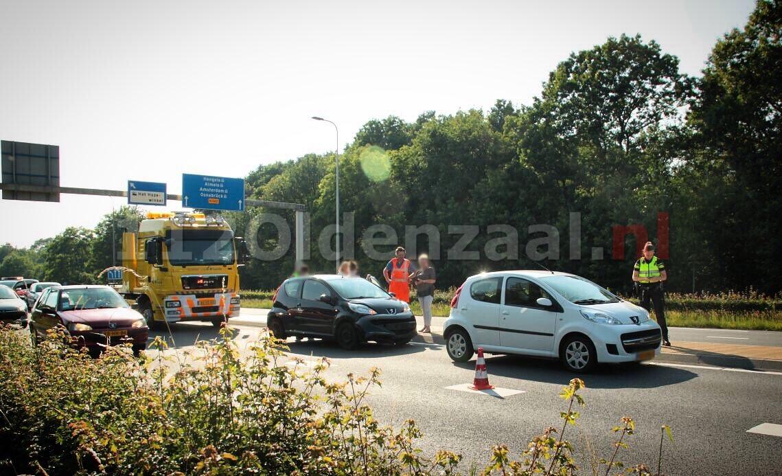 Flinke file op Rondweg Oldenzaal door aanrijding