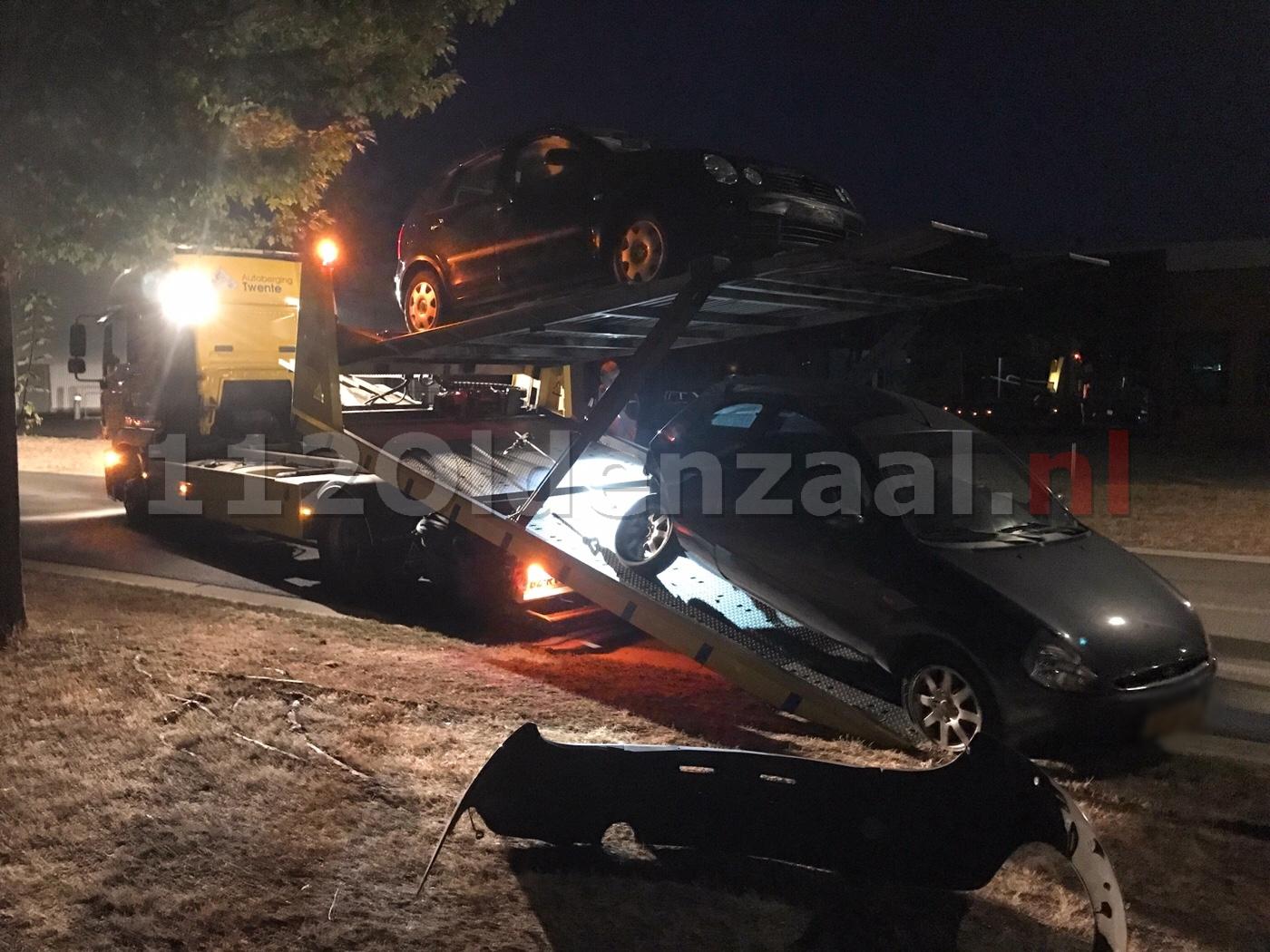 Twee auto's afgesleept na aanrijding op industrieterrein in Oldenzaal