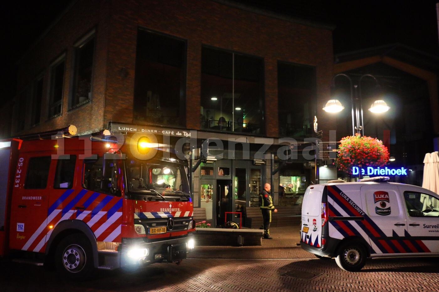 UPDATE (Video): Wateroverlast door sprinklerinstallatie bij lunch-diner-café De Tijd in centrum Oldenzaal