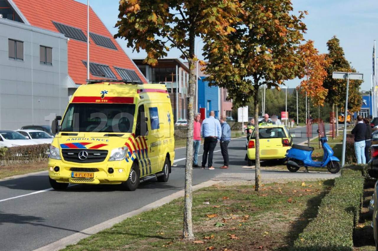 VIDEO: Scooterrijder raakt ernstig gewond na aanrijding met auto in Oldenzaal