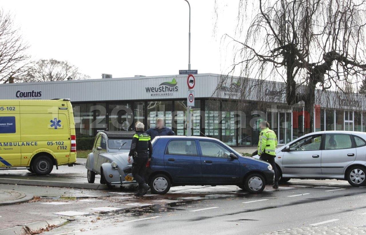 Forse schade en gewonde bij aanrijding in Oldenzaal