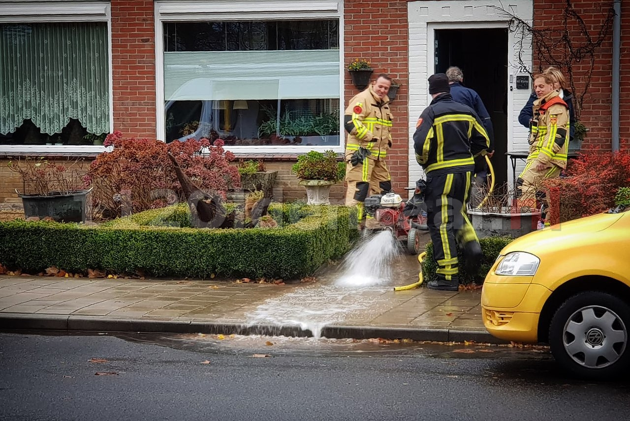 Brandweer rukt uit voor wateroverlast in woning Oldenzaal