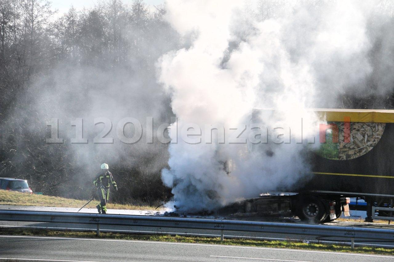 Vrachtwagen in brand A1 Oldenzaal