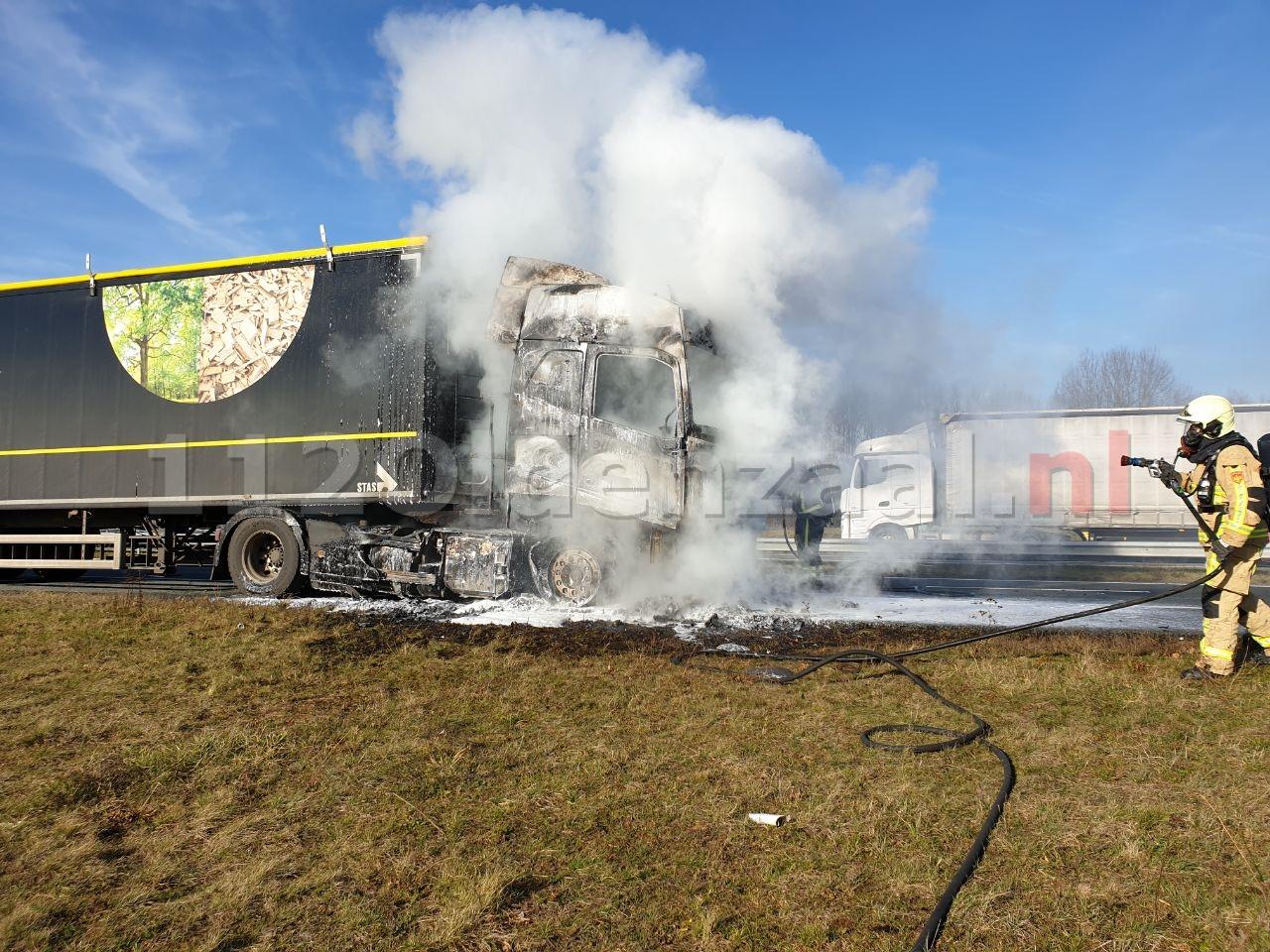 VIDEO: Vrachtwagen in brand A1 Oldenzaal