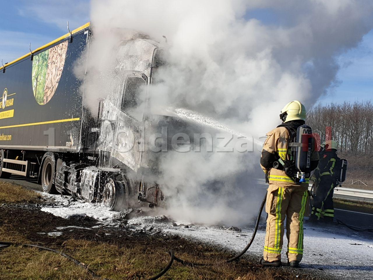 UPDATE (foto): Vrachtwagen in brand A1 Oldenzaal