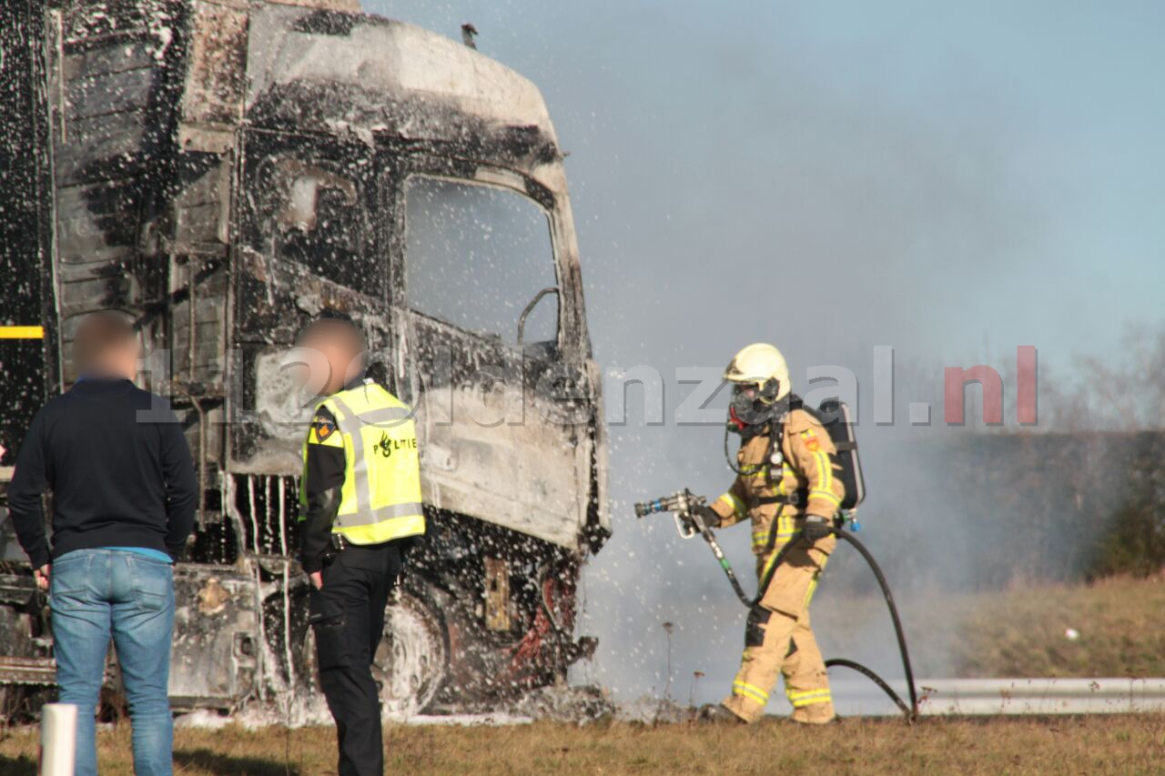 UPDATE: Vrachtwagen in brand A1 Oldenzaal