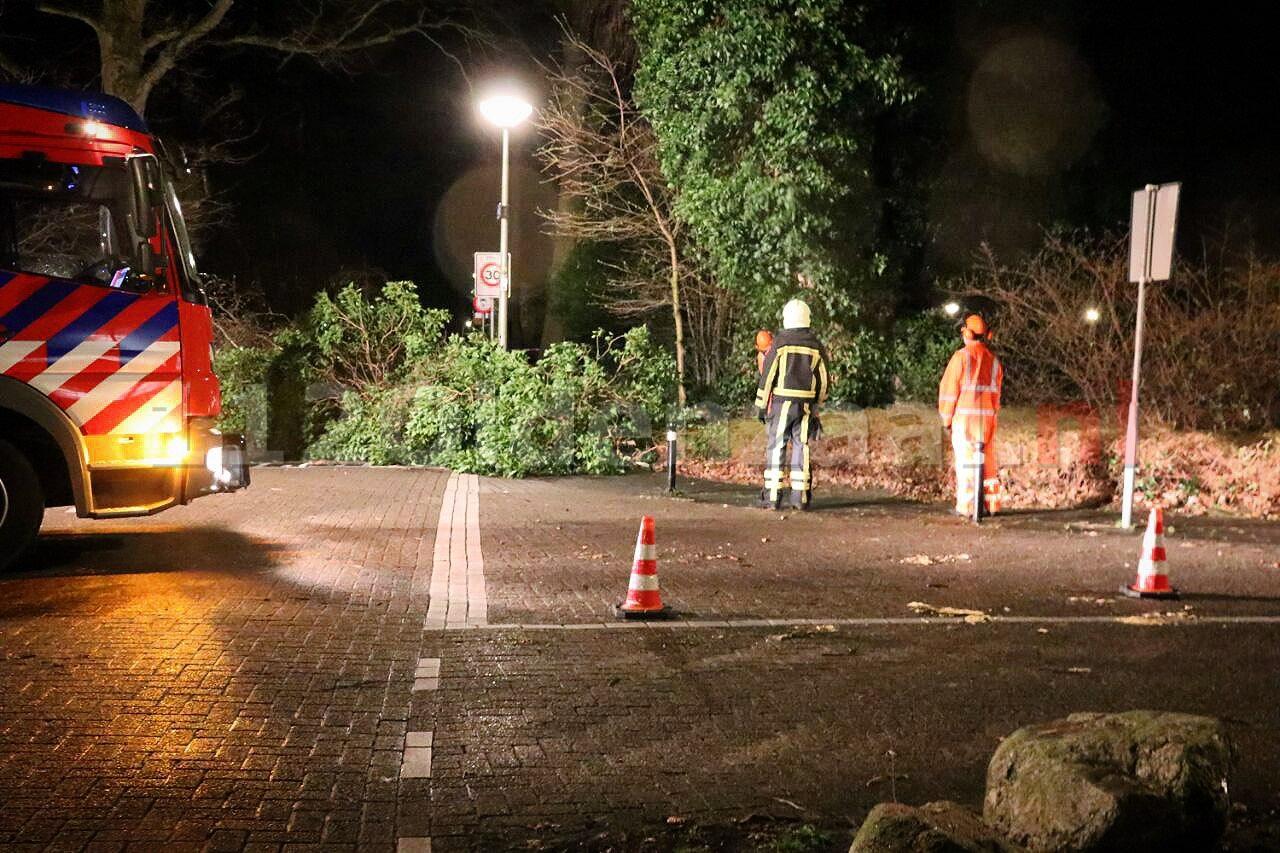 Brandweer rukt uit voor stormschade in Oldenzaal