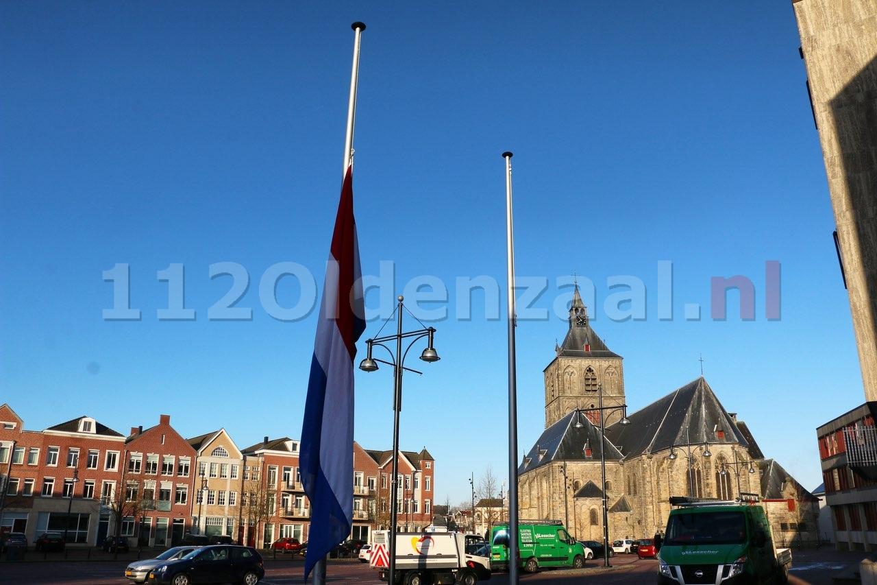 Vlaggen in heel Nederland halfstok