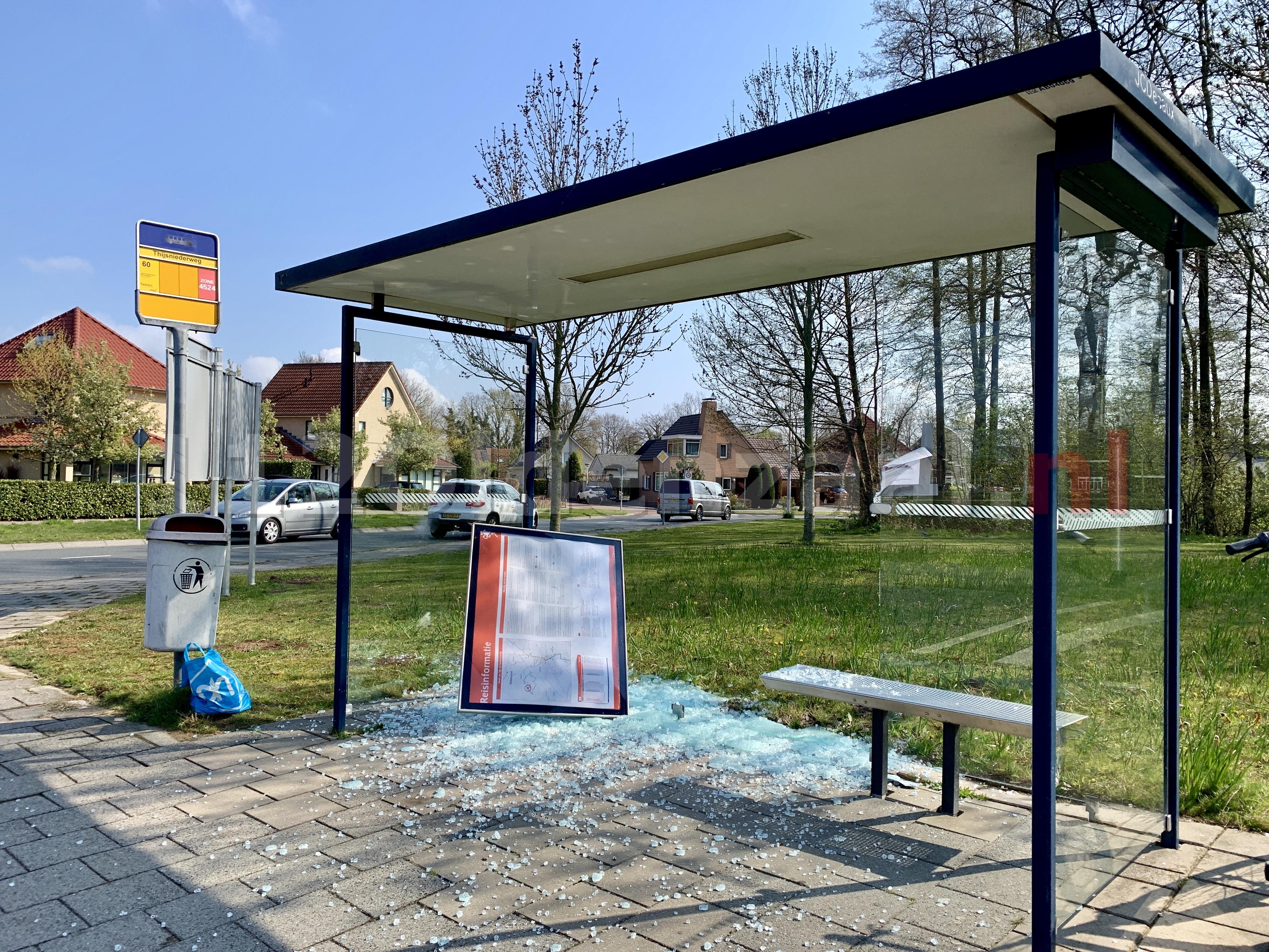 Opnieuw vernieling bushokje Thijsniederweg Oldenzaal