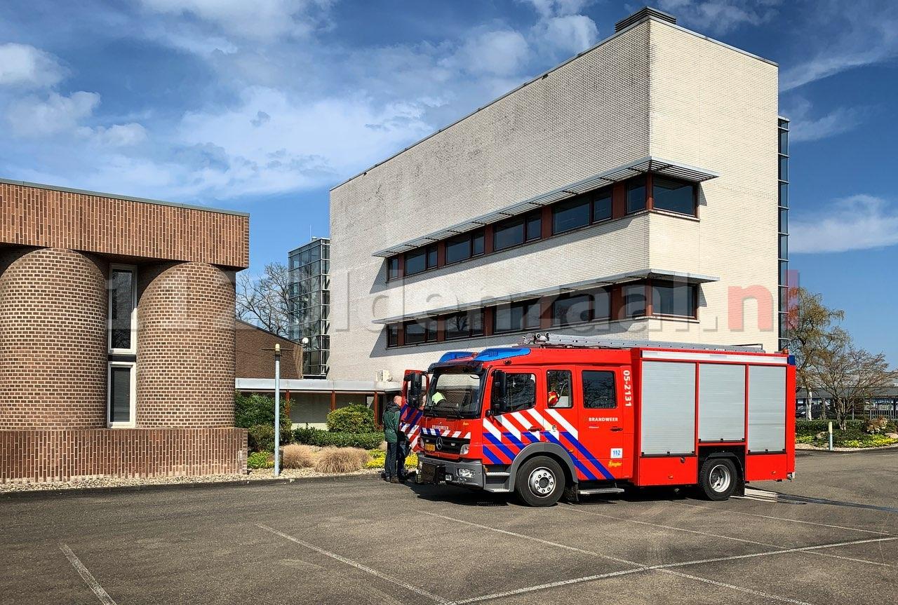 Brandweer rukt uit voor brandje bij bedrijf in Oldenzaal