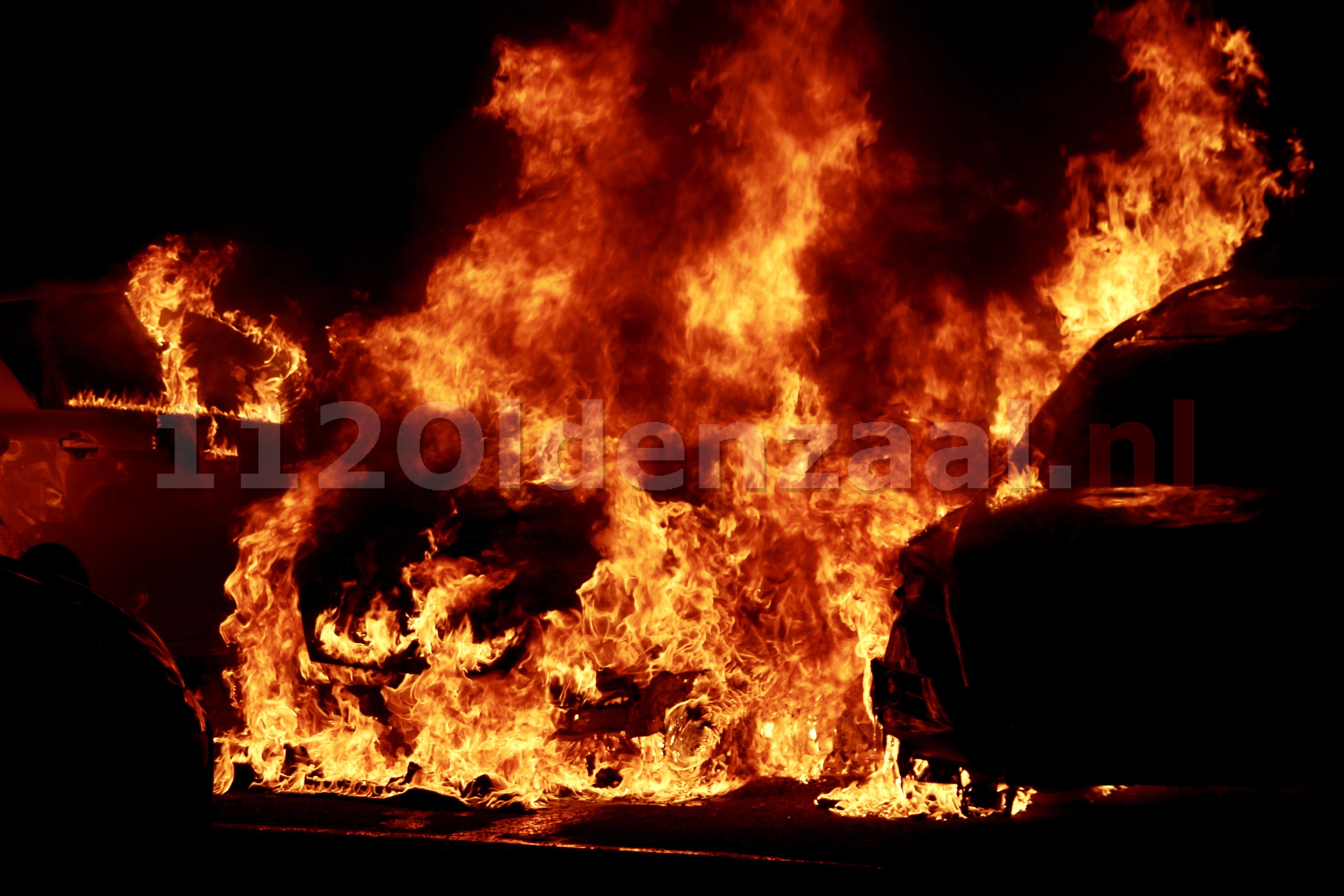 Auto's in Oldenzaal verwoest door brand