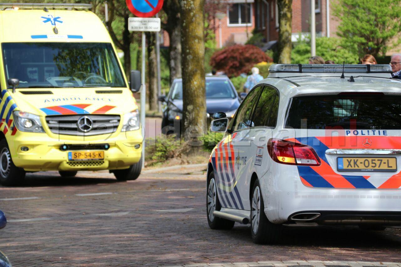 Fietsster gewond bij aanrijding met auto in Oldenzaal