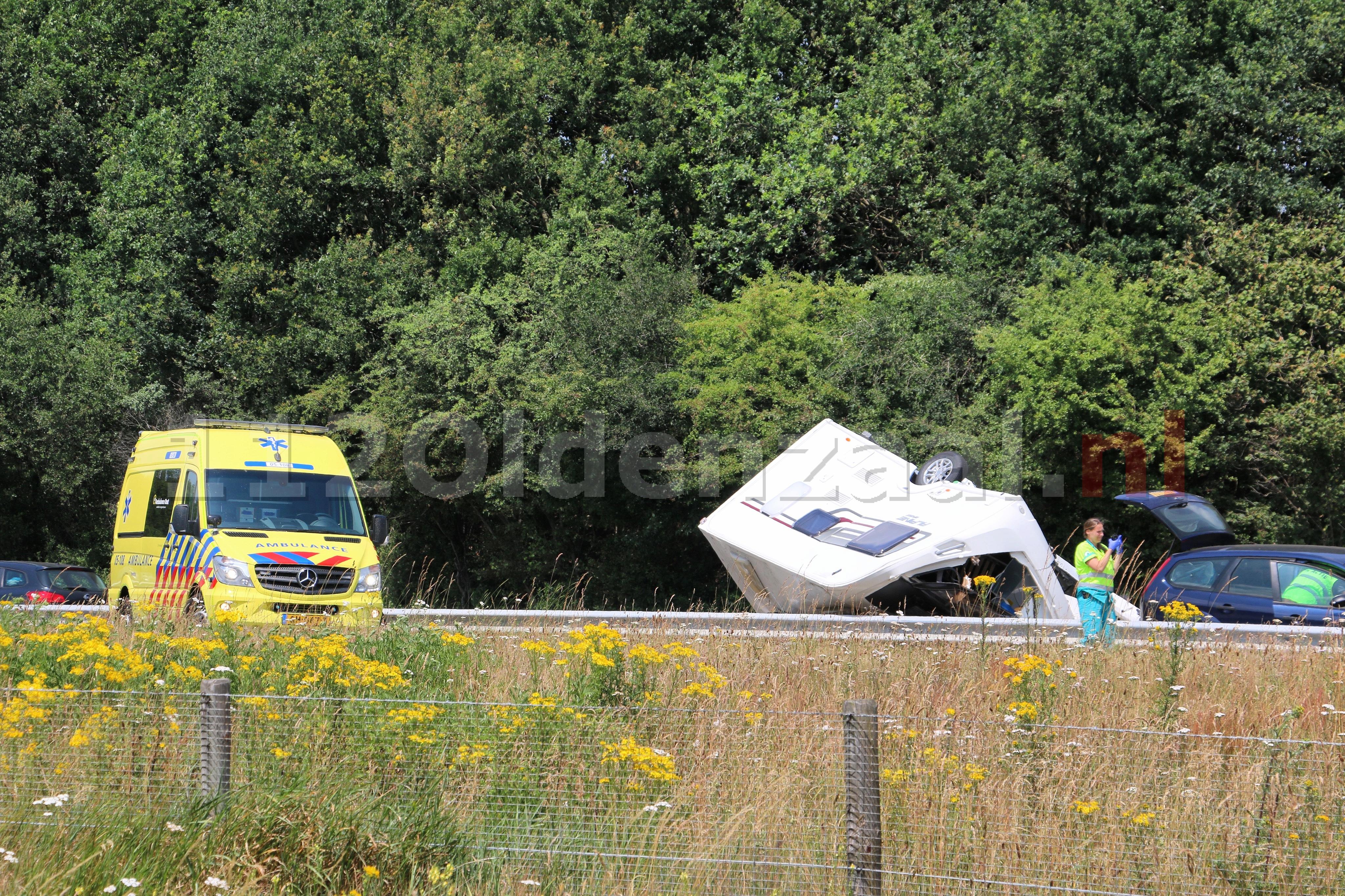 UPDATE: Caravan geschaard op A1 bij Oldenzaal