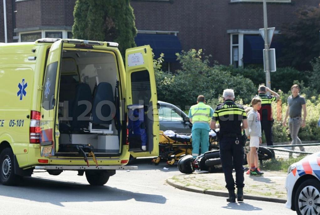 Foto's: Gewonde bij aanrijding Bentheimerstraat Oldenzaal