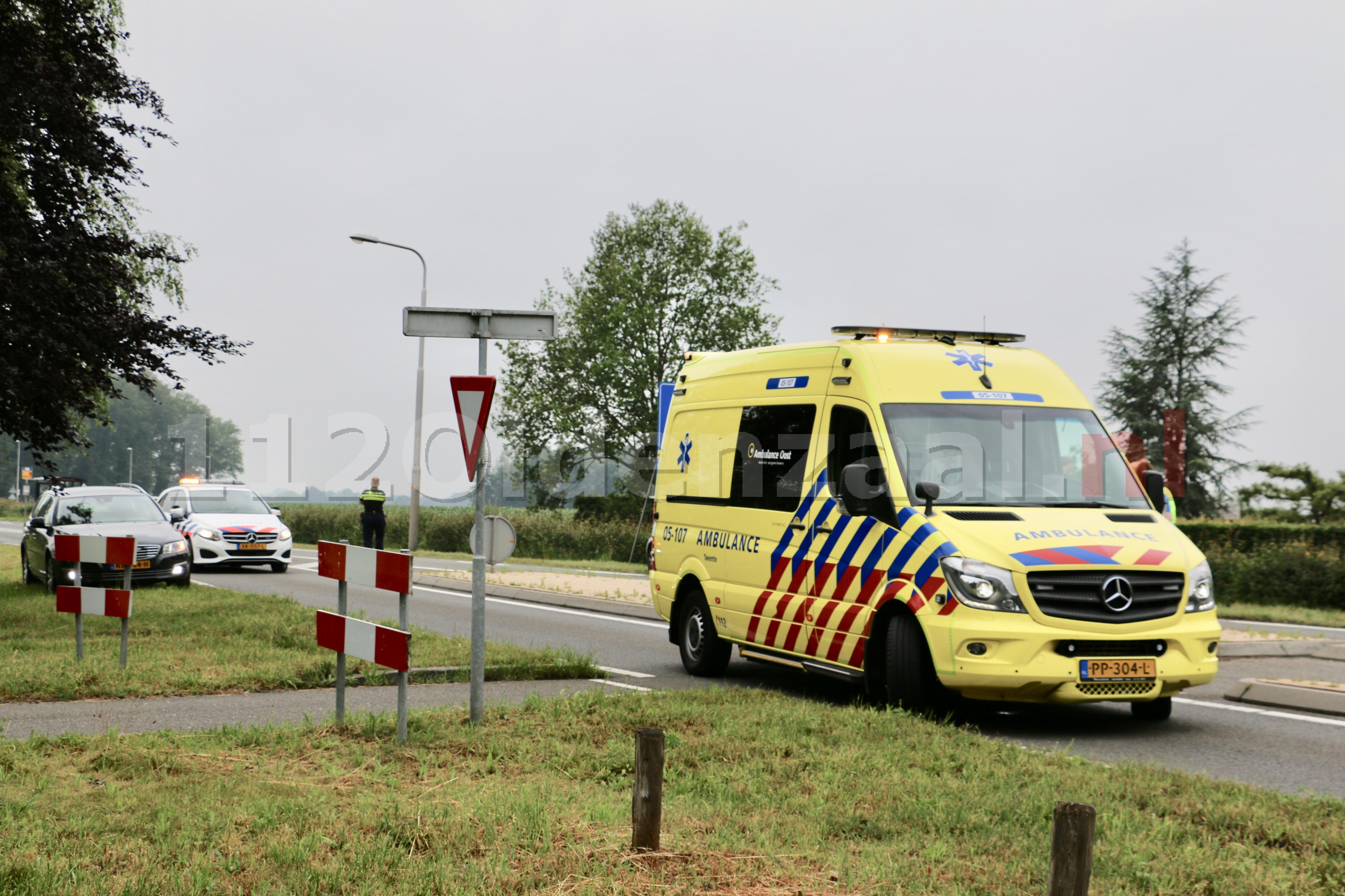 Fietser met hoofdletsel overgebracht naar het ziekenhuis na ongeval in Oldenzaal