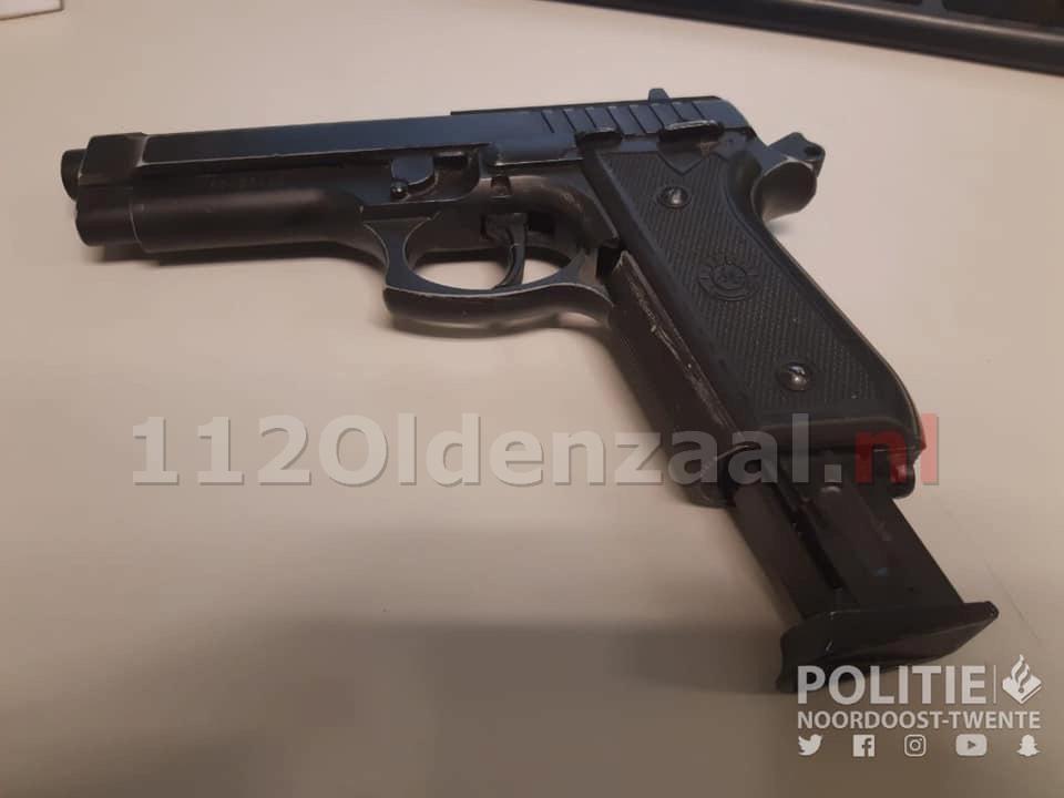 Agenten treffen patroonhouder aan bij controle in Oldenzaal